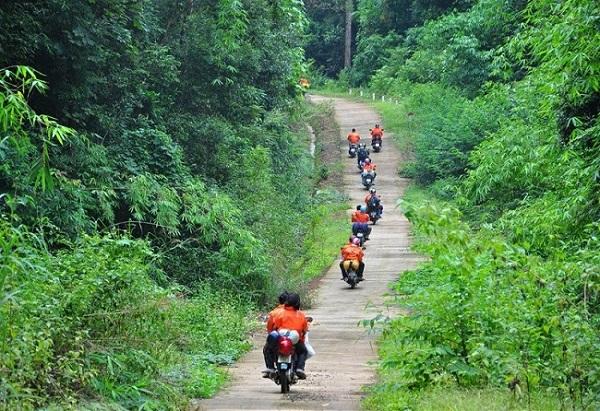 Chạy xe xuyên rừng Quốc gia ở Đảo Phú Quốc